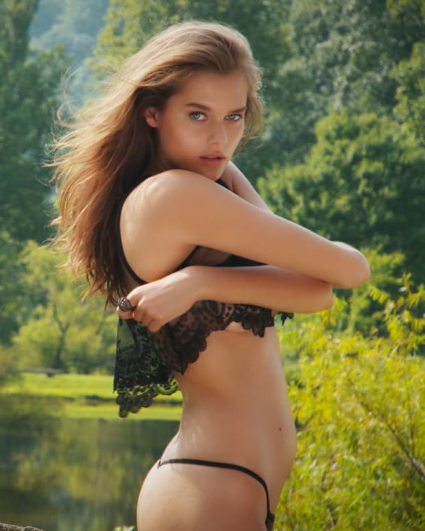solveig, Countdown to swimsuit, Sports Illustrated Swimsuit 2015, hot, sexy, rookie reveal, beautiful, Girls having fun, Girls in Bikini, swim daily (image)