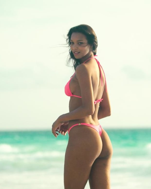 Watch This Steamy, New Lais Ribeiro Video