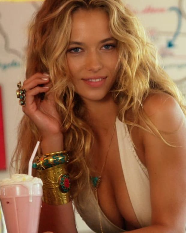 Hannah Ferguson Swimsuit video 2015 2157889318001_4707275627001_3850910968001-vs.jpg
