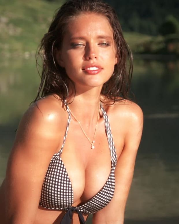 Emily DiDonato Swimsuit video 2014 2157889318001_4707237272001_2943580634001-vs.jpg
