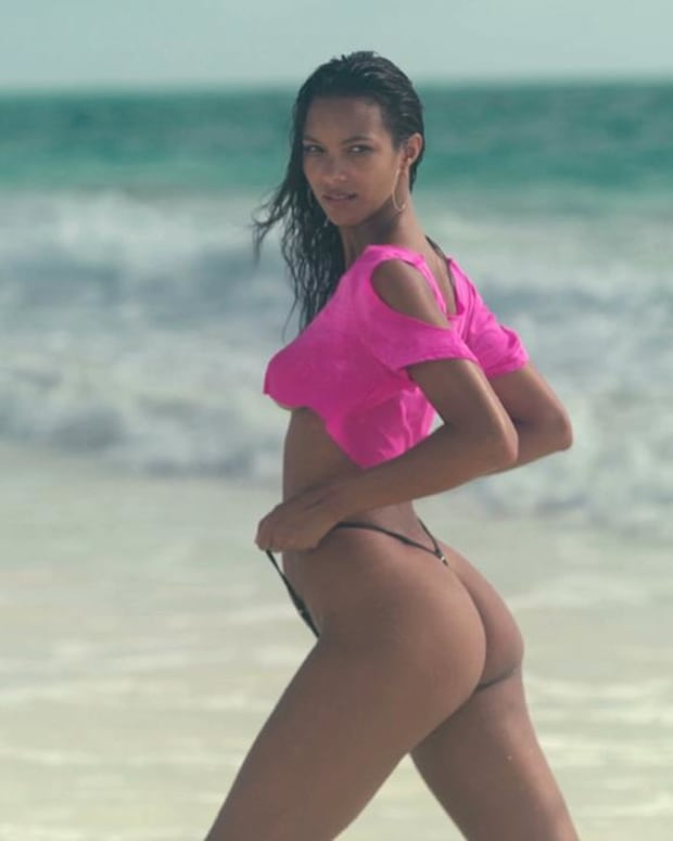 Brazilian Model Lais Ribeiro Loves Tiny Swimsuits