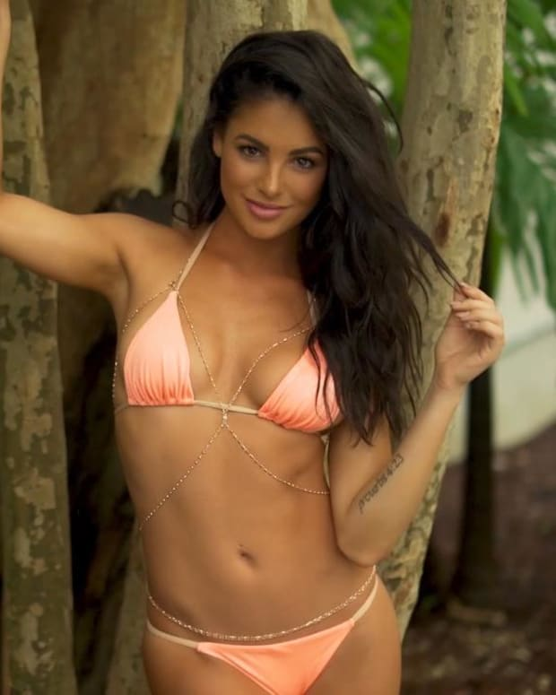 Kayla Fitzgerald Top 15 Finalist SI Swimsuit Open Casting