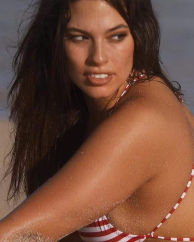 Ashley Graham gives modeling tips