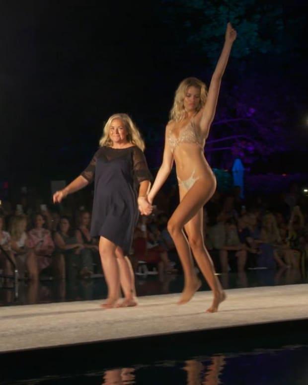 Samantha Hoopes debuts SI Swimsuit's swimwear line