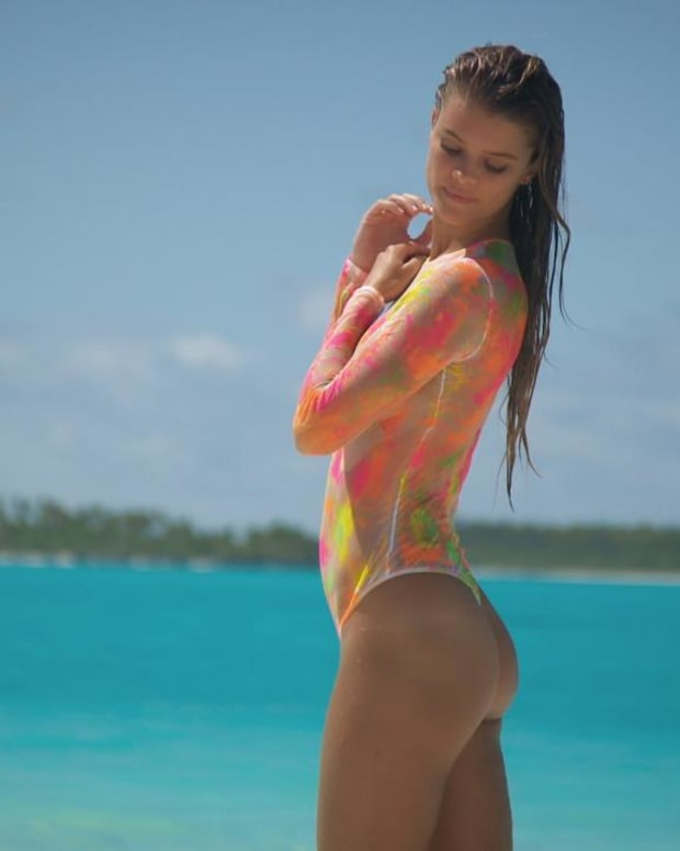 Nina Agdal Swimsuit video 2014 2157889318001_4707246952001_2943586536001-vs.jpg