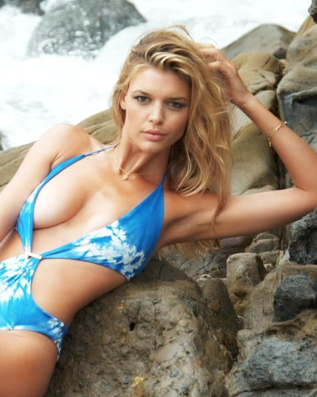 Kelly Rohrbach Swimsuit video 2015 2157889318001_4707286812001_3850898973001-vs.jpg
