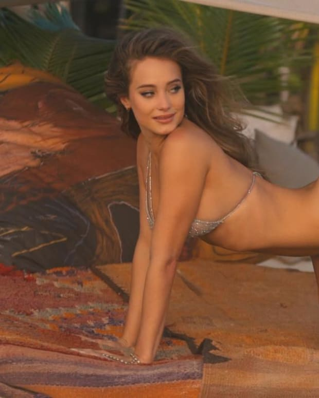 Hannah Jeter shows her flexibility during her shoot