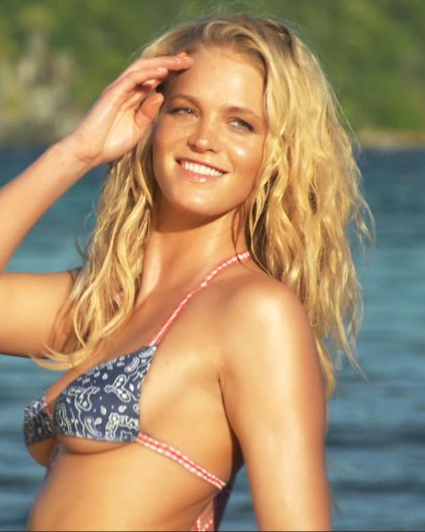 Erin Heatherton Swimsuit video 2015 2157889318001_4707257478001_3850898985001-vs.jpg