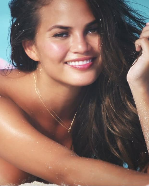 Chrissy Teigen Swimsuit video 2014 2157889318001_4707245934001_2943580624001-vs.jpg