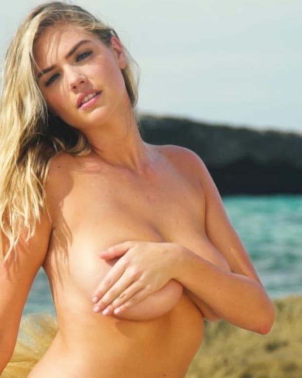 Kate Upton sizzles in Aruba for SI Swimsuit 2018