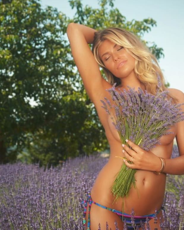 Samantha Hoopes Swimsuit video 2015 2157889318001_4707282802001_3850910985001-vs.jpg