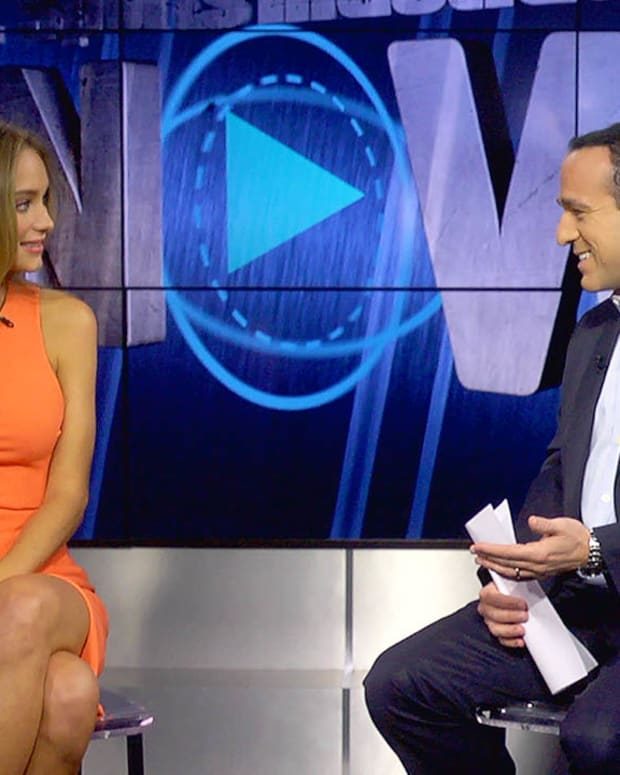 Which sport did SI Swimsuit model Hannah Davis originally want to be on the cover for?-image