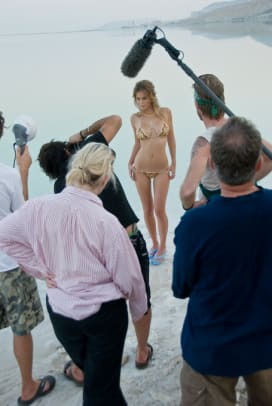 08_bar-refaeli_behind_21.jpg