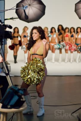 08_cheerleaders_behind_18.jpg