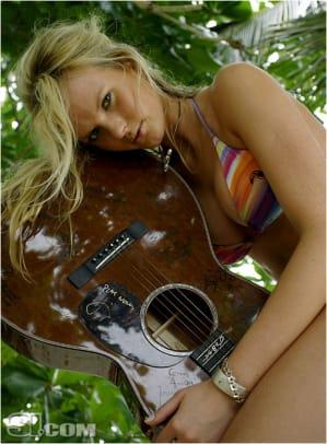 07_guitar_01.jpg