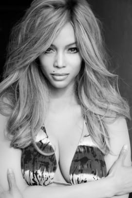 rs_634x951-130911071255-634-9tyra-banks-supermodel-tribute-ls-91113_copy.jpg