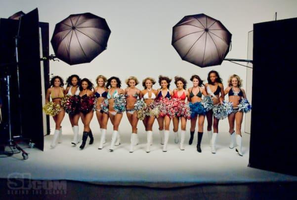 08_cheerleaders_behind_20.jpg