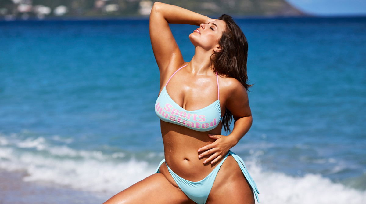 Ashley Graham crushes her workout while pregnant