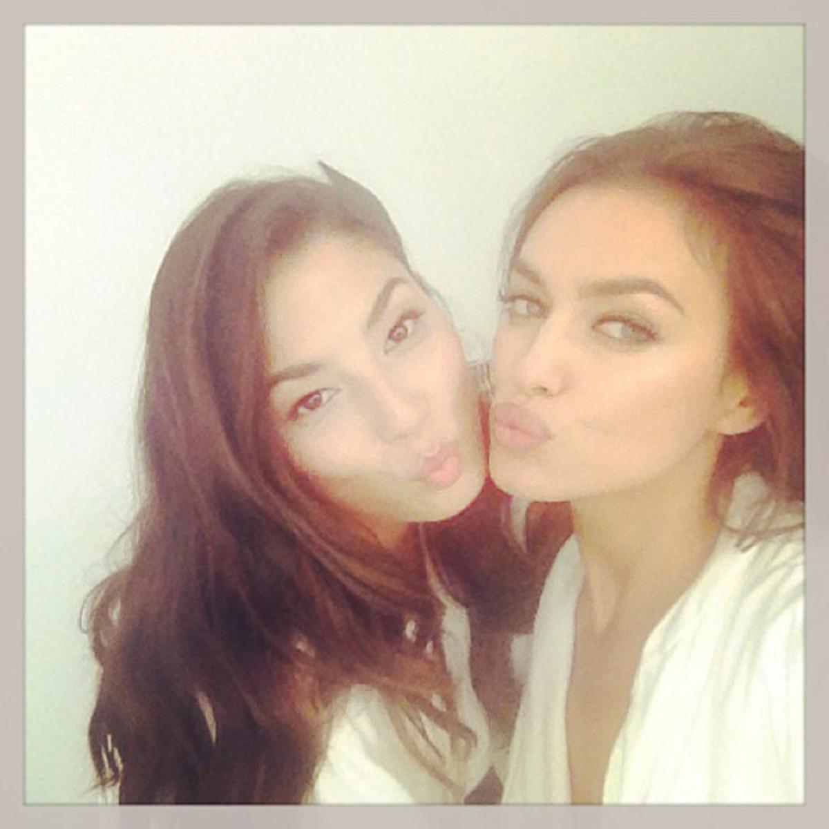 Jessica Gomes and Irina Shayk :: @irinashaykofficial