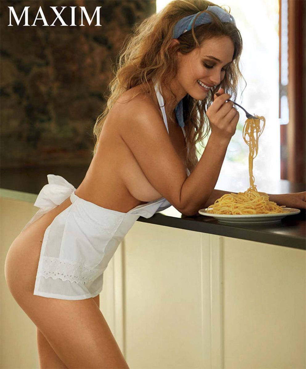 hannah-davis-maxim-naked-chef.jpg
