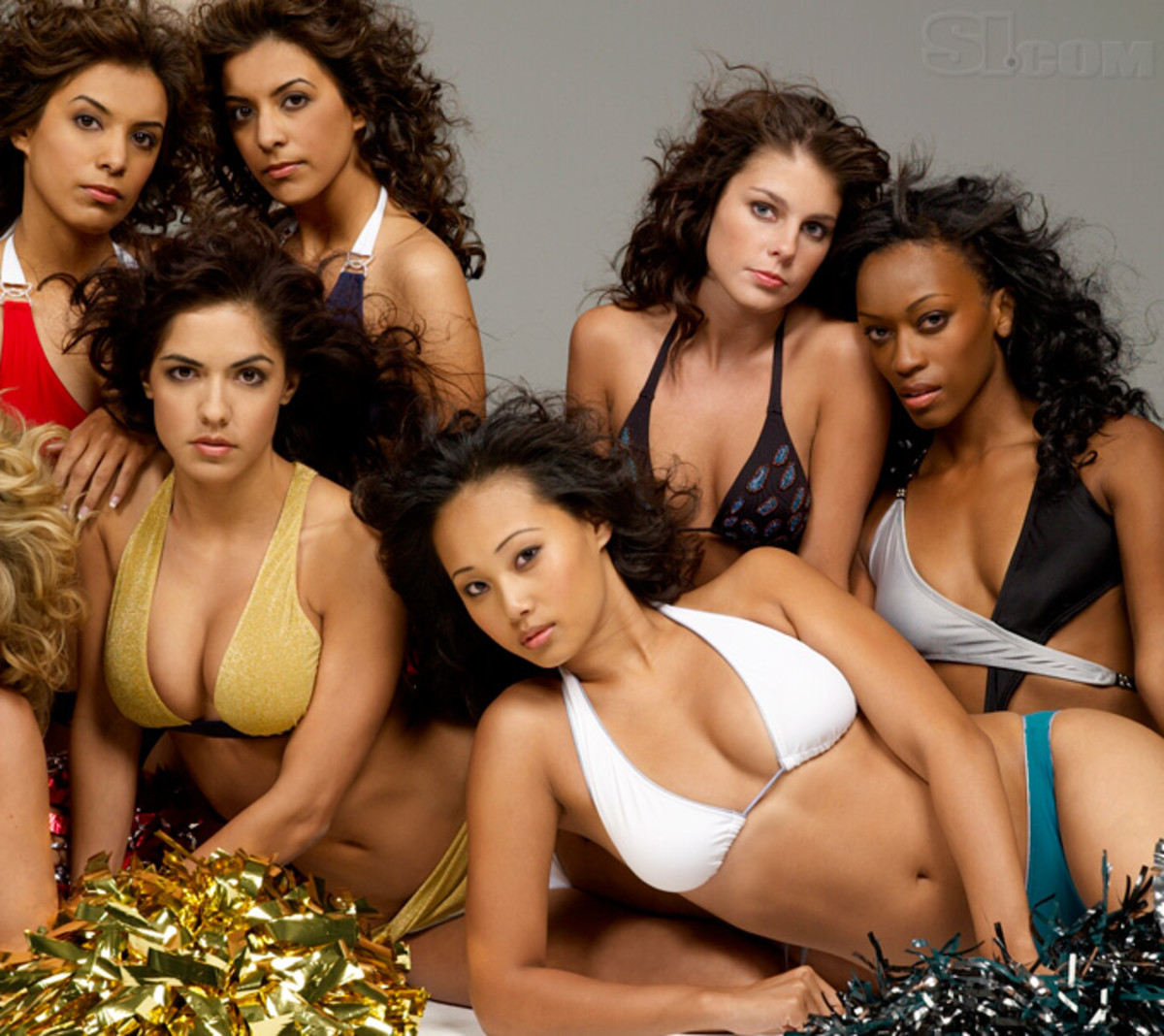 08_cheerleaders-group_01.jpg