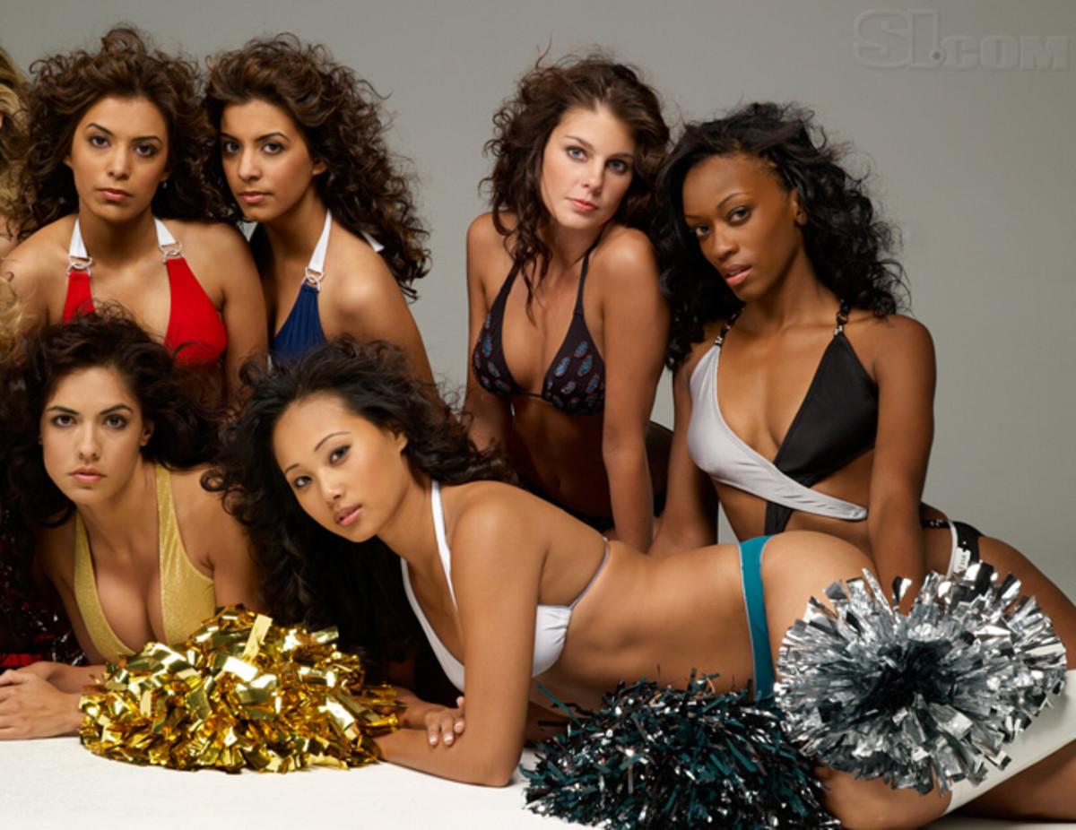 08_cheerleaders-group_04.jpg
