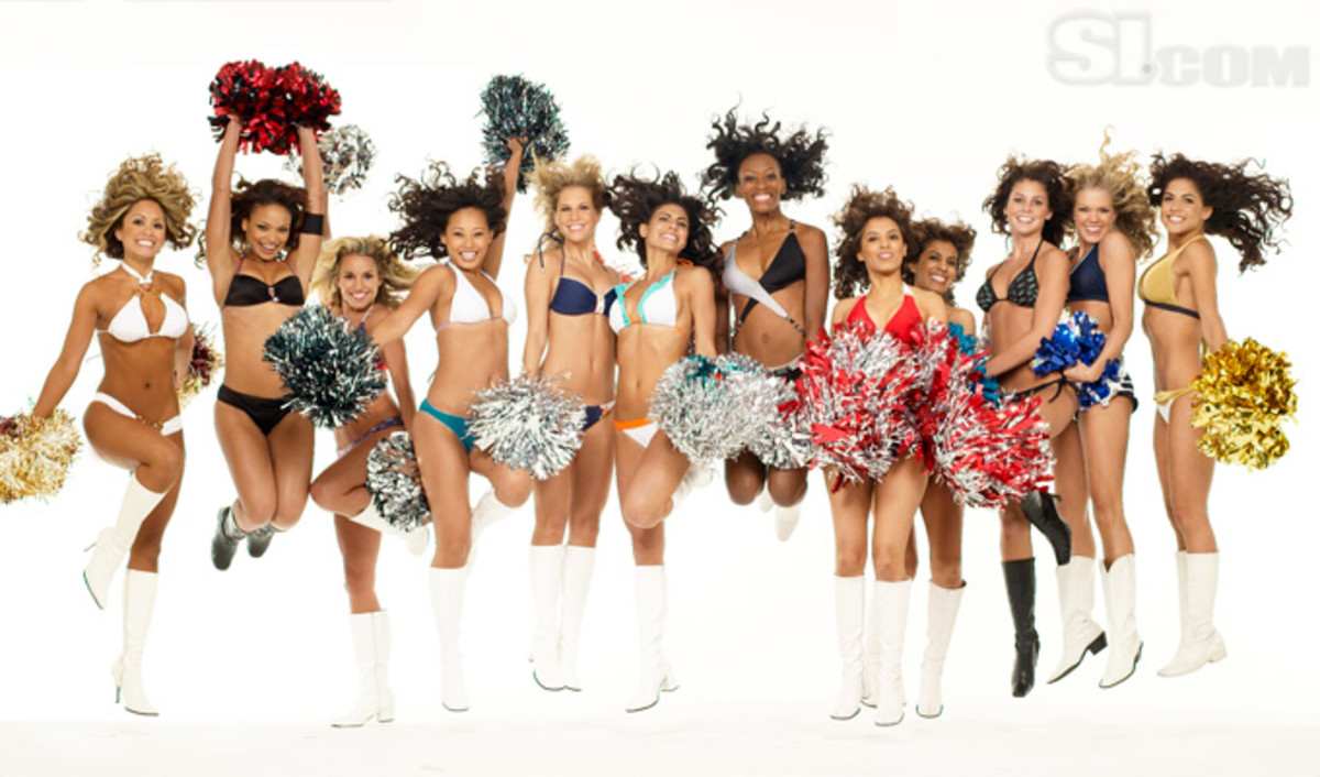 08_cheerleaders-group_07.jpg