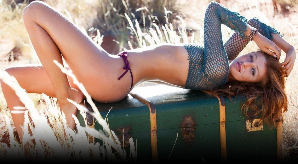 cintia-dicker-si-swimsuit-2013-models.jpg