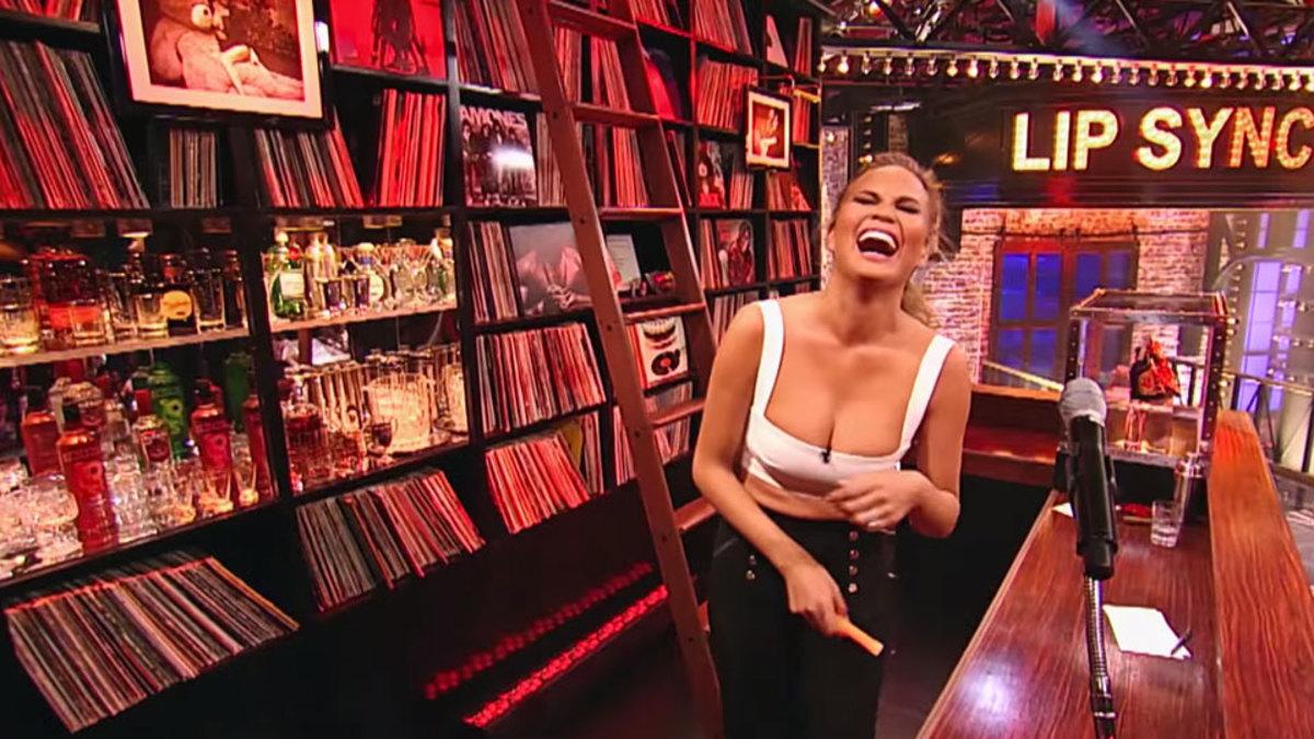 Beyonce Boob Bounce