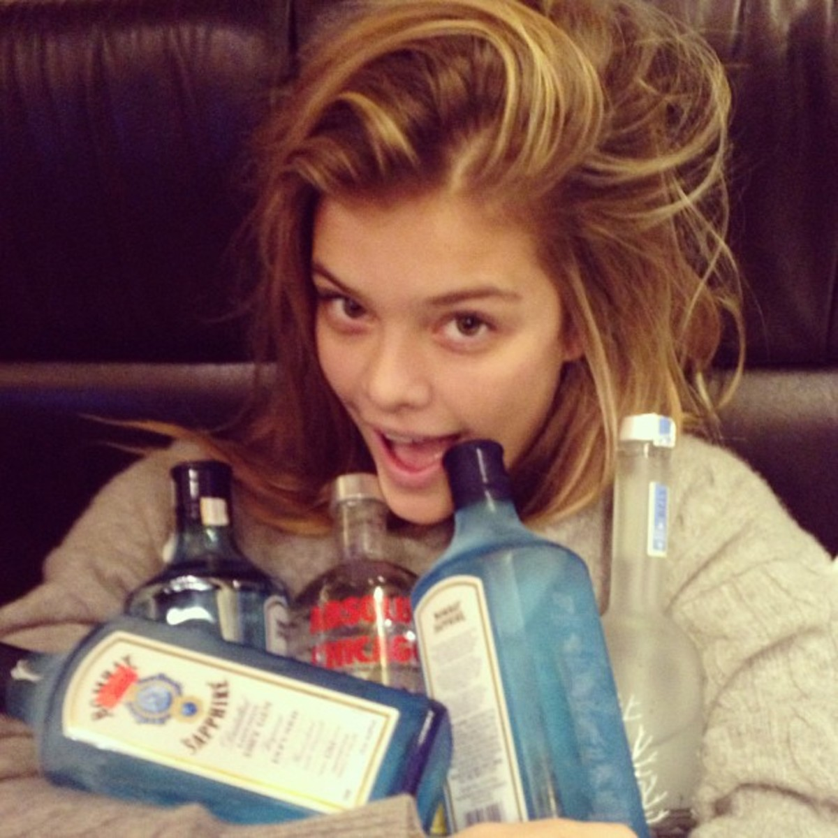 @ninaagdal: Benefits to travelling with the wanted. Emptying out the bus. Leftovers all for me.