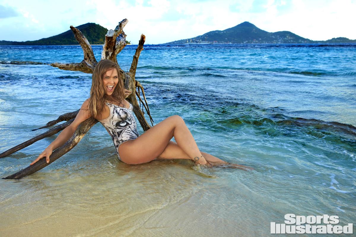 Ronda Rousey 2016 web X160010_TK3_02645-rawWMFinal1920.jpg
