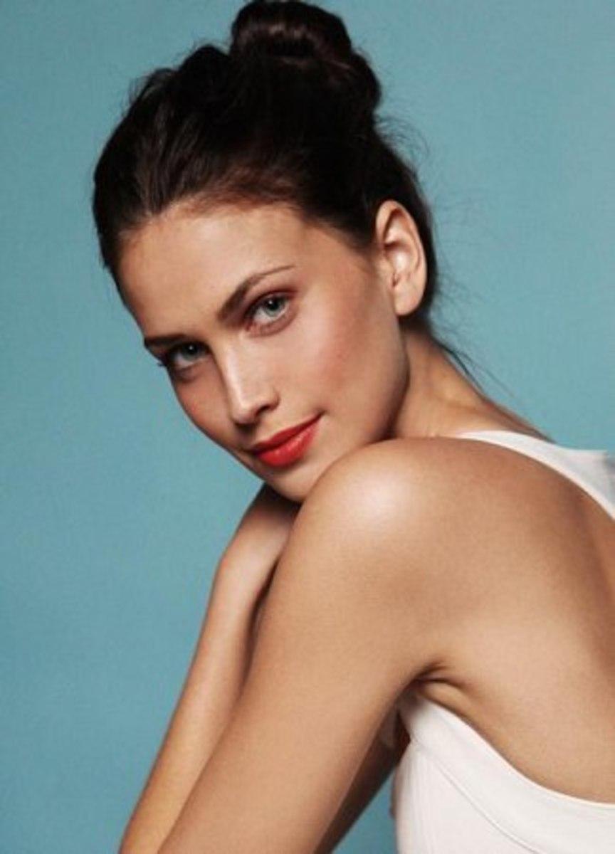 Holly Owen :: Courtesy of Wilhelmina Models