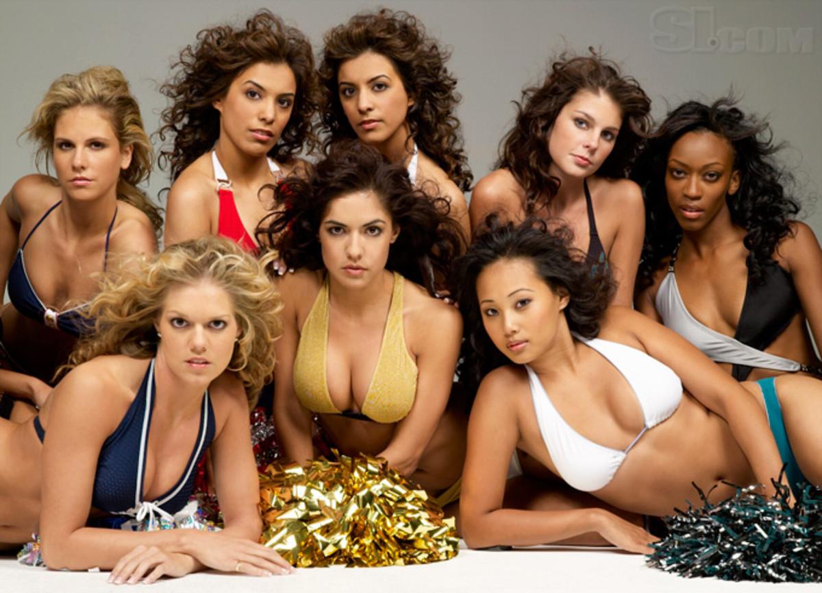08_cheerleaders-group_02.jpg