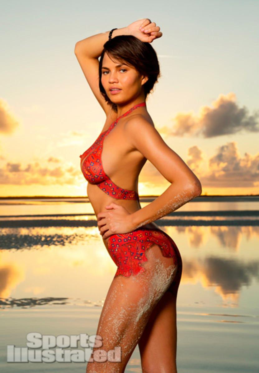 Chrissy Teigen Bahamas Body Paint