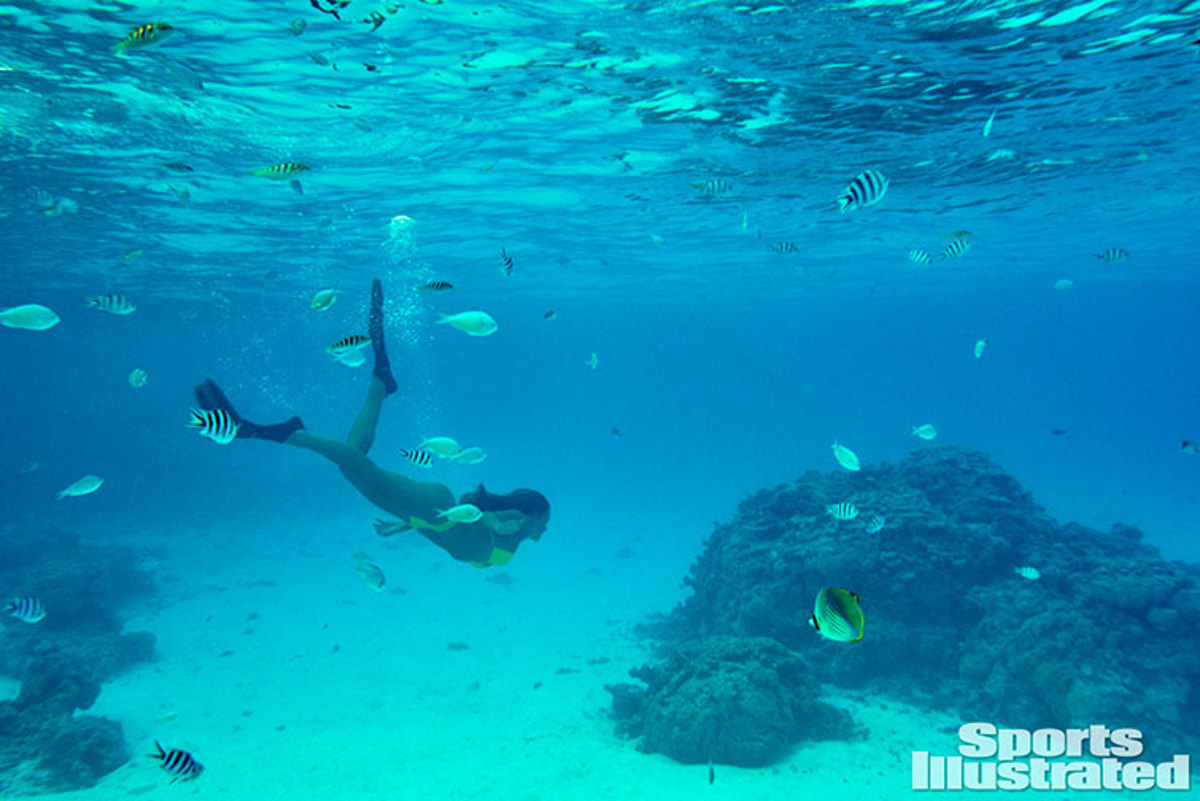 hannah-davis-underwater-shoot-1.jpg