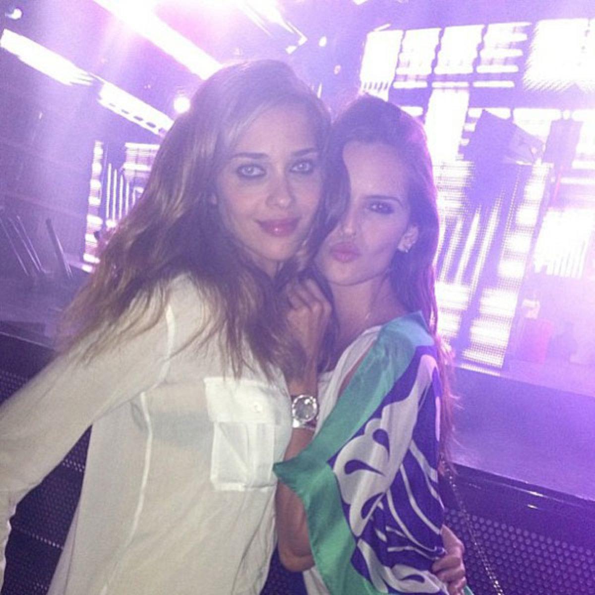 Ana Beatriz Barros and Izabel Goulart :: @izabel_goulart