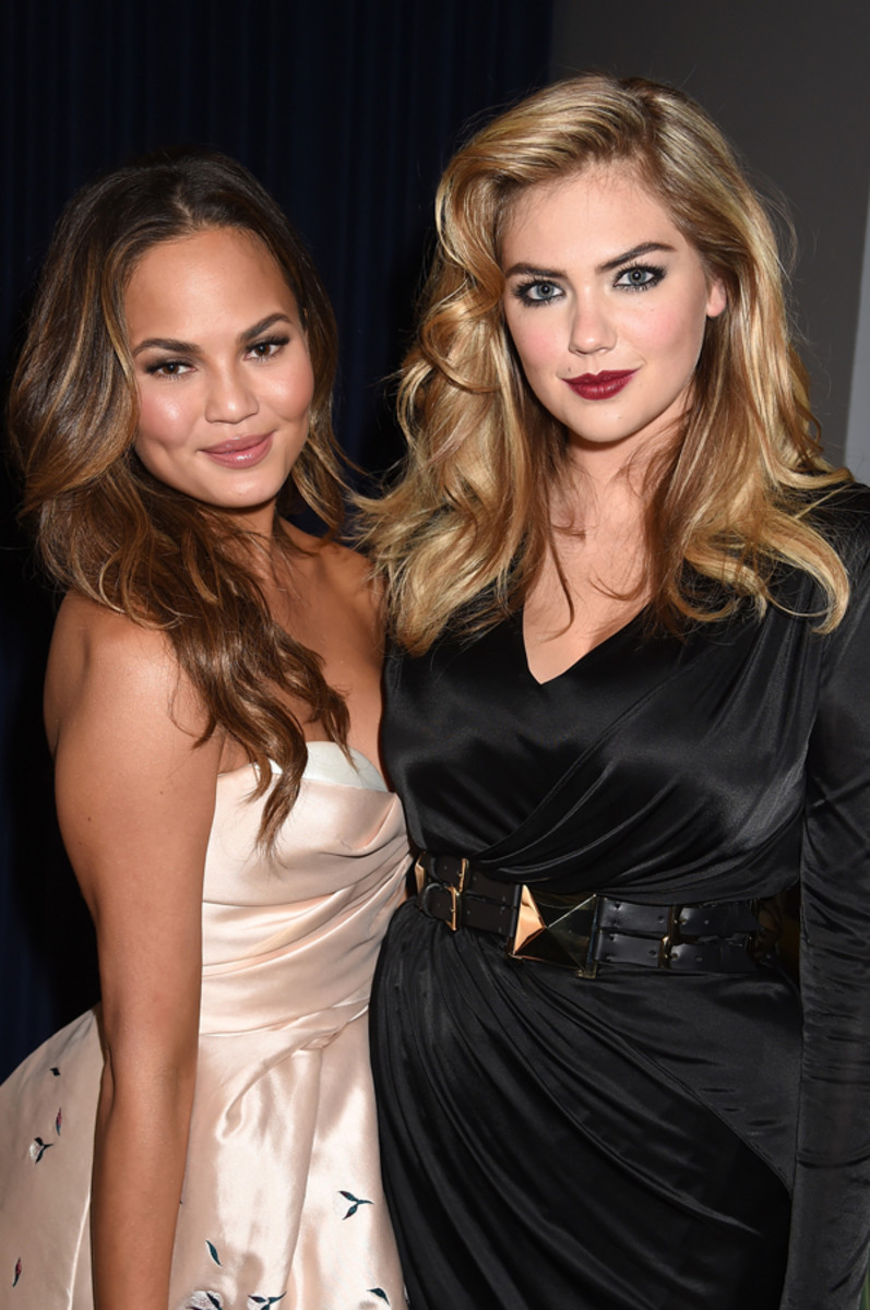 Chrissy Teigen and Kate Upton at the MTV Movie Awards :: FlimMagic