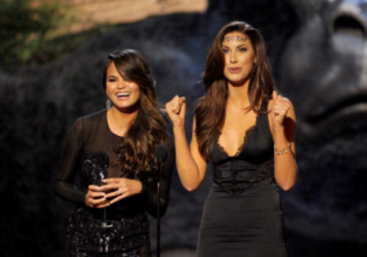 Katherine Webb and Chrissy Teigen at Spike TV's Guys Choice Awards :: Kevin Winter/Getty Images