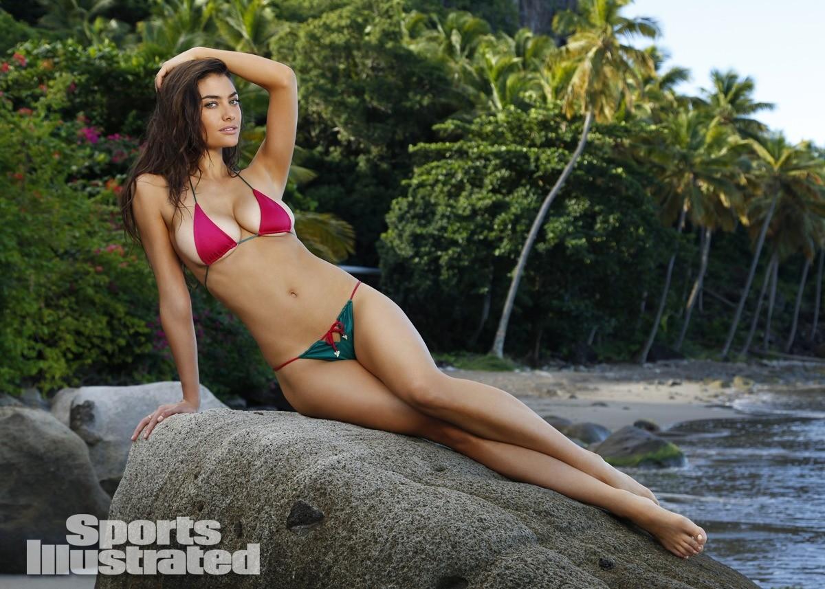 Lauren Mellor 2014 Swimsuit 5