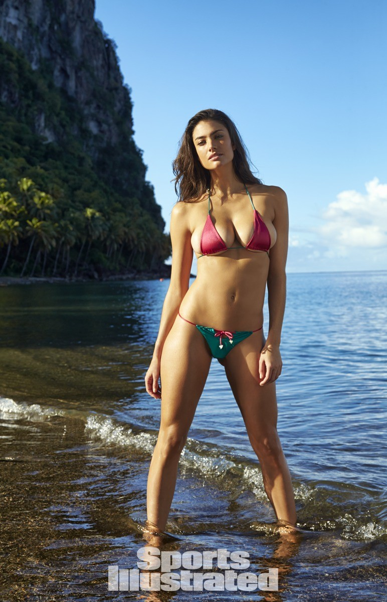 Lauren Mellor 2014 Swimsuit 4