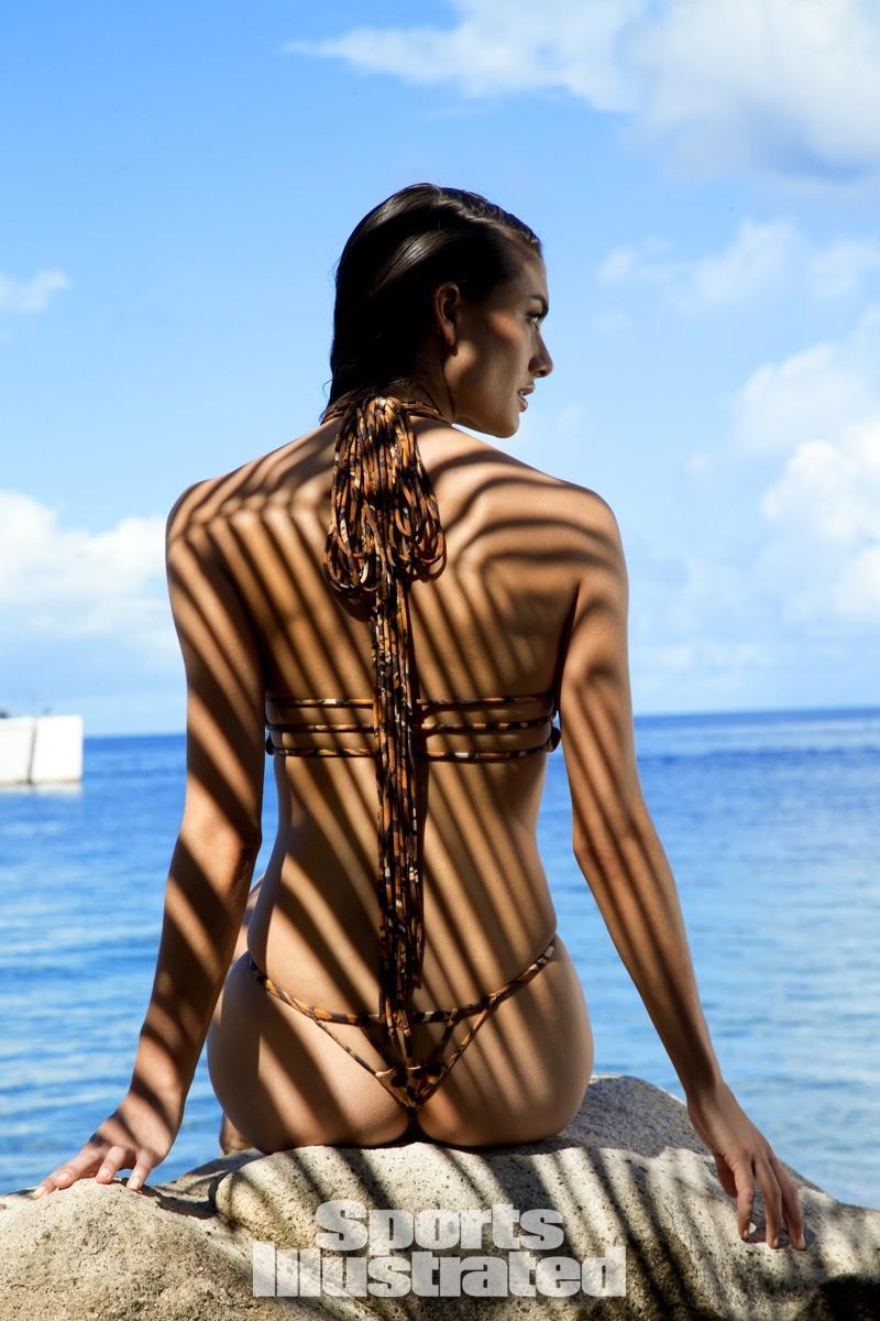 Lauren Mellor 2014 Swimsuit 8