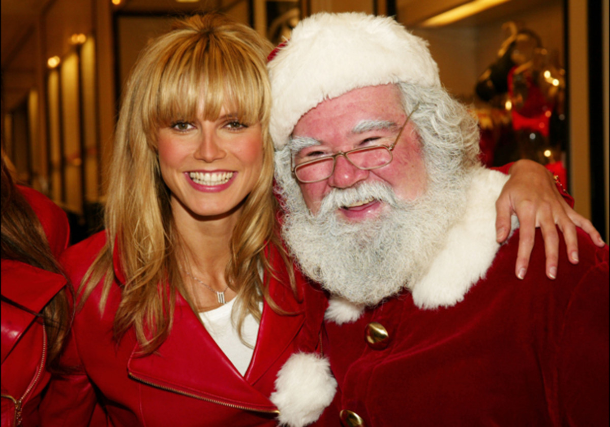 Heidi Klum and Santa Claus. 2002  ::  Evan Agostini/ImageDirect