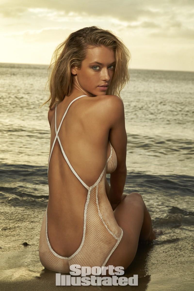 Hannah Ferguson 2014 Swimsuit body paint 6