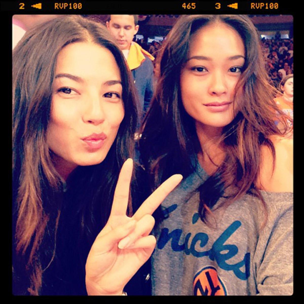 Jessica Gomes and Jarah Mariano :: @iamjessicagomes