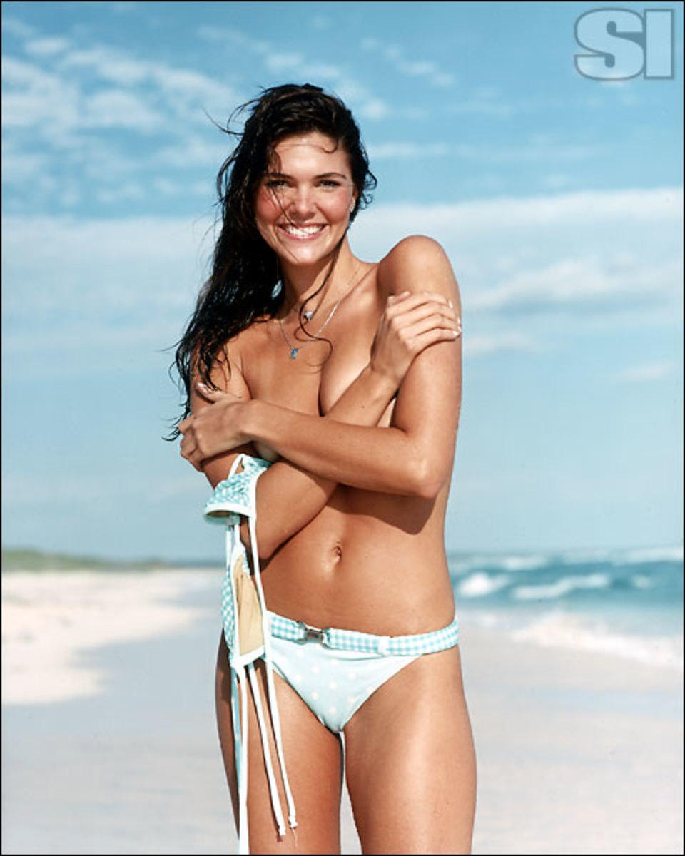 Daniella Sarahyba - swimsuit si Photo (29436257) - Fanpop