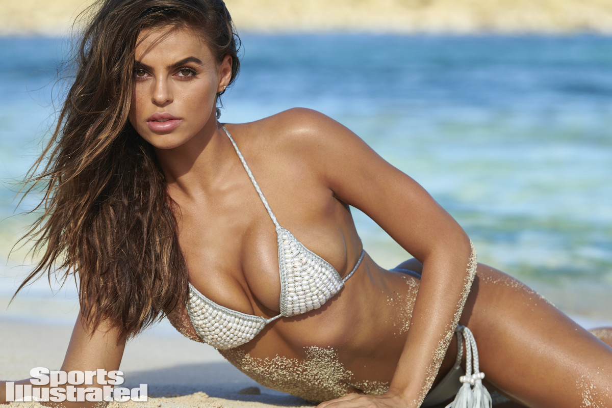 Brooks Nader Is The First Rookie Of Si Swimsuit 2020 Swimsuit Si Com