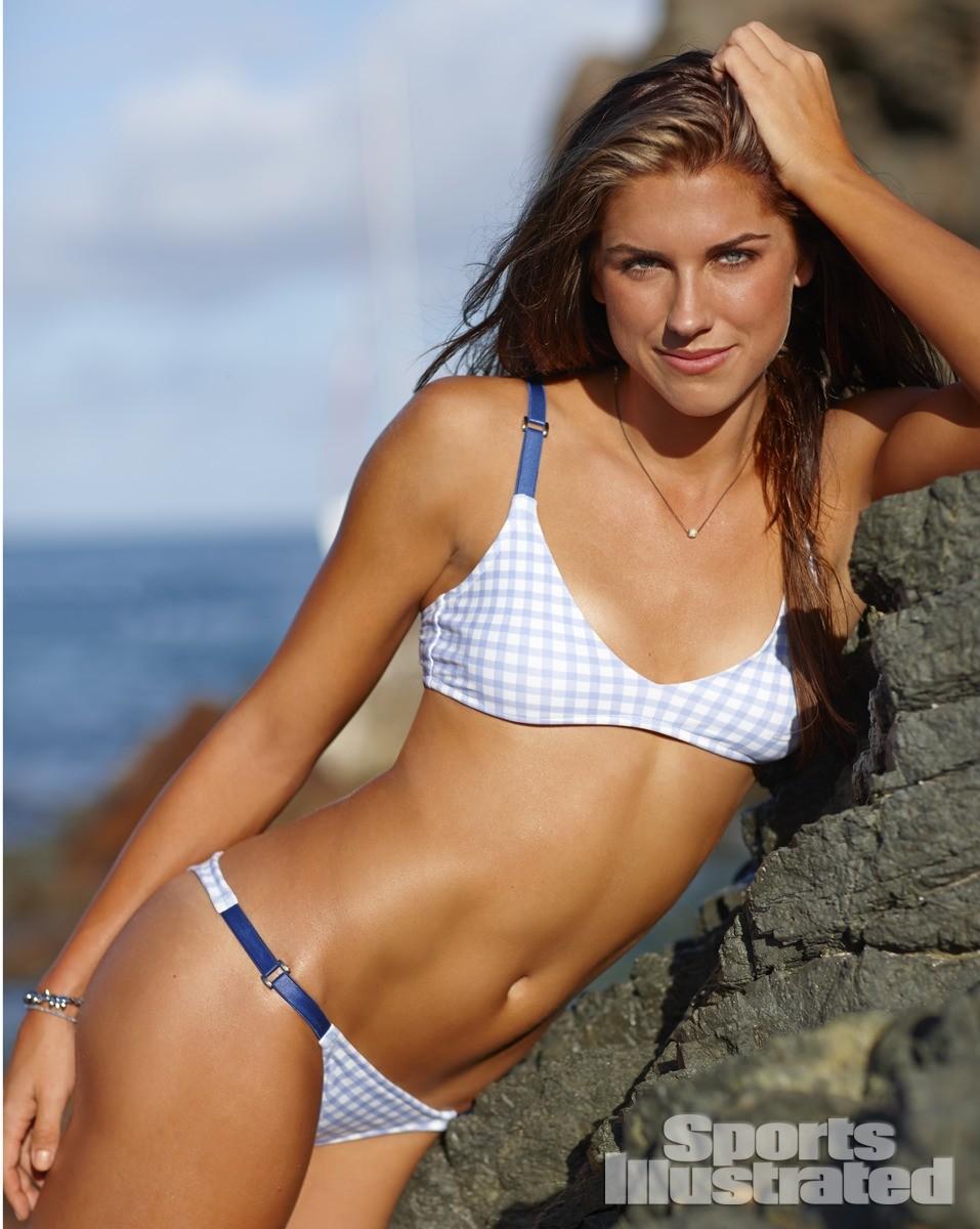 Alex Morgan 2014 Swimsuit 1