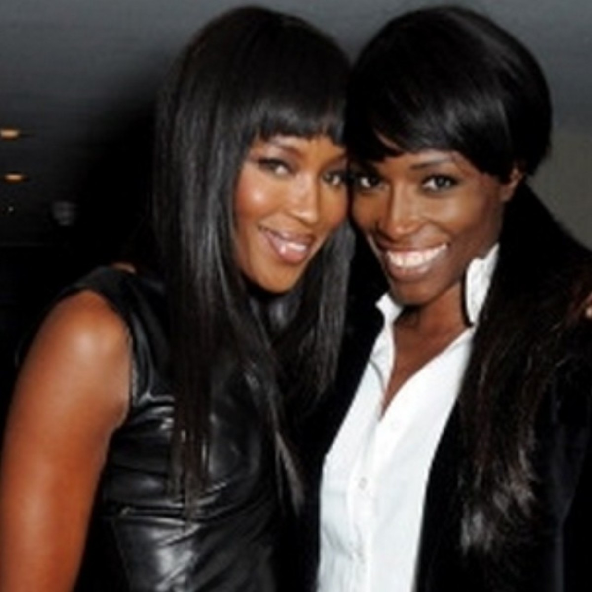 @lorrainepascale: My old work mate @naomicampbell and me at a sky living event last night