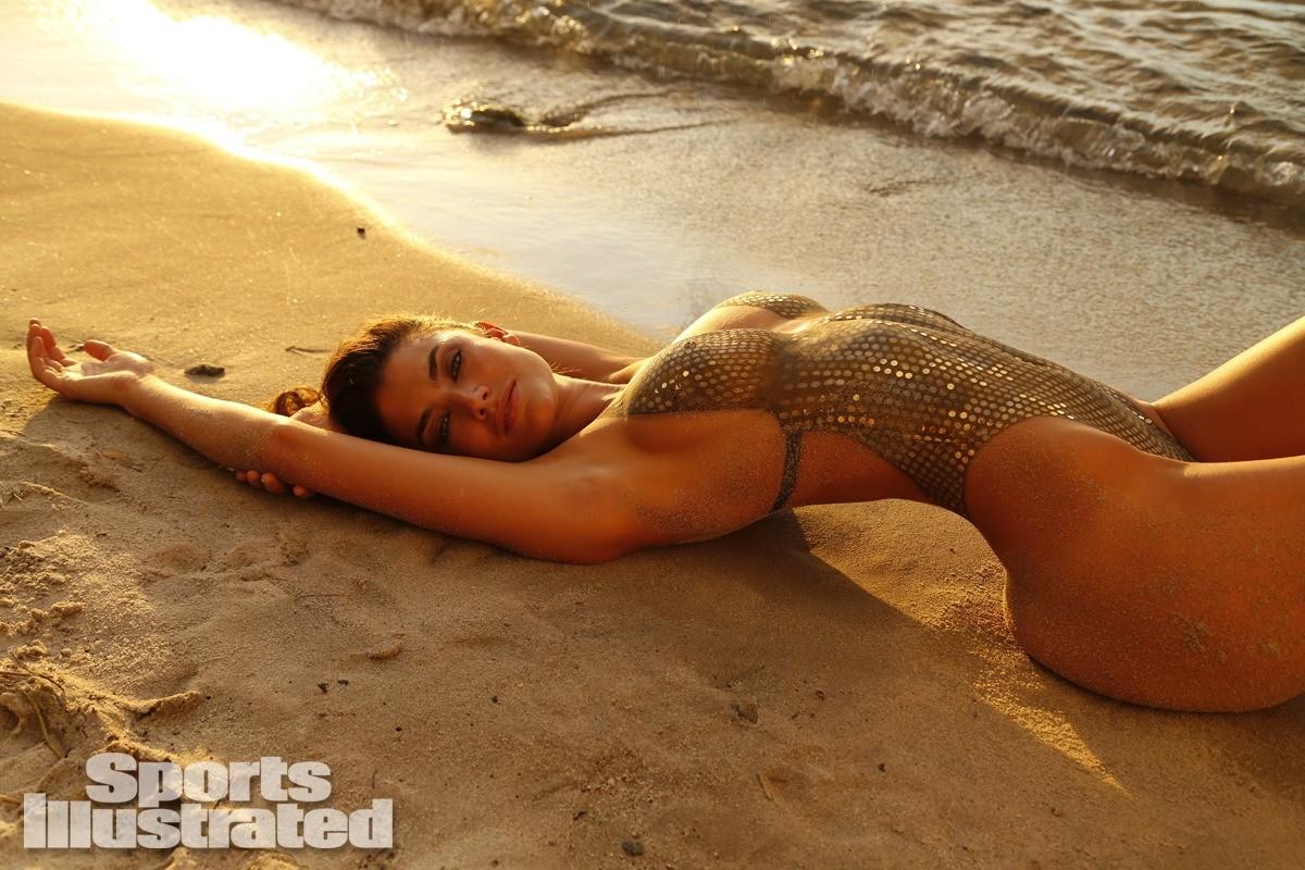 Lauren Mellor 2014 swimsuit body paint 3