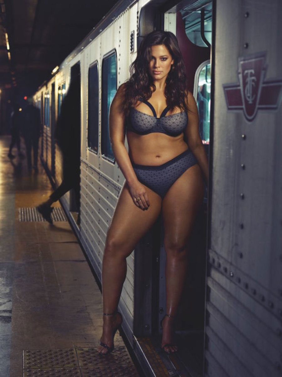 ashley-graham-collection-subway-2.jpg